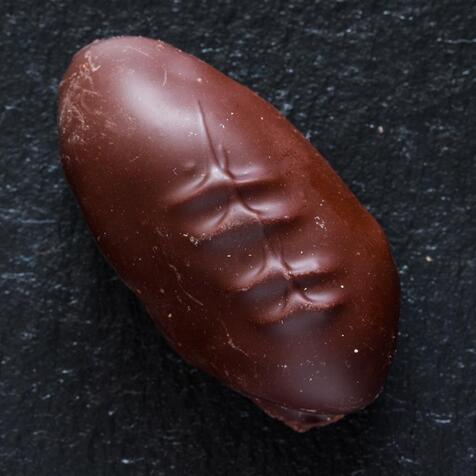 Чернослив в черном шоколаде